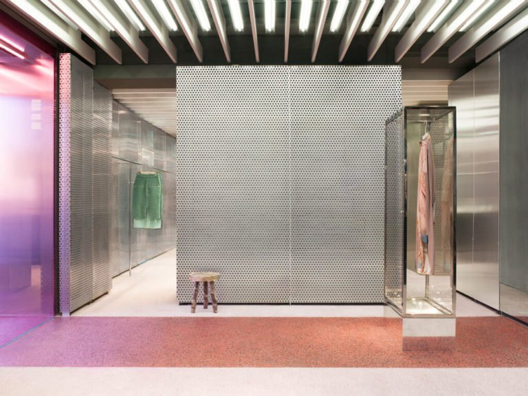 Le rose en retail - BozarthFornell for Acne Studios, Paris