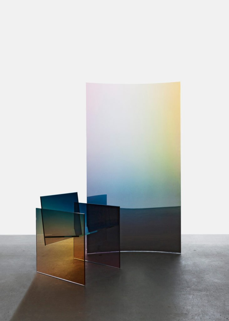 Iridescence, Tall Horizon Screen and Ombr glass chair by German Ermics