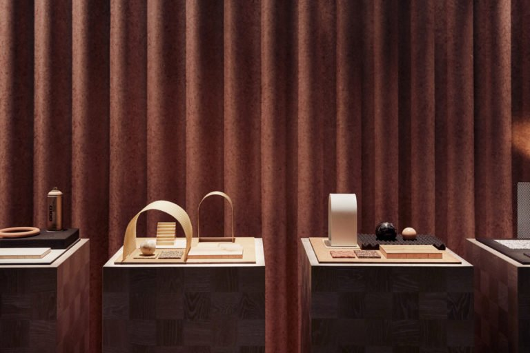 La célèbre marque de revêtements de sol Tarkett a fait appel à Note Design Studio afin de créer un stand d'exposition capable de révéler le potentiel design de leurs produits à l'occasion du Stockholm Furniture Fair 2018.