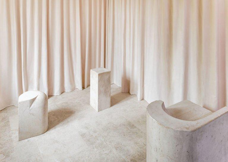 Découvrez la sélection des 15 meilleurs projets design de l'été 2018 en termes de mobilier, architecture d'intérieur et digital.