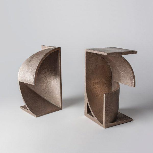 Table sculptures in metal.