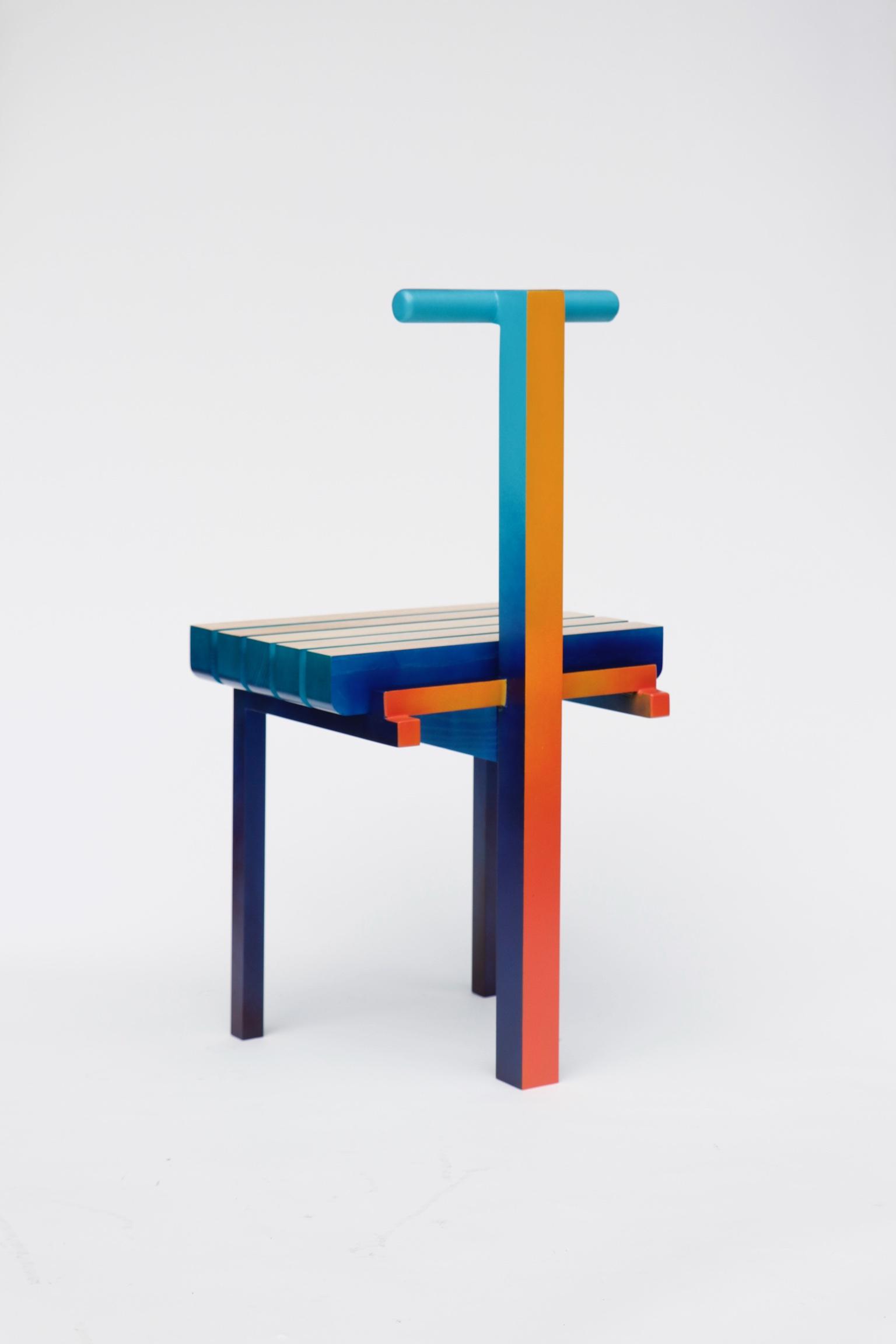 Malcolm Majer crée la Chair 3.2 à l'occasion d'Art Elysées pour Huskdesignblog, à Paris.