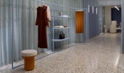Elena Mora crée un concept store tout en contrastes pour…