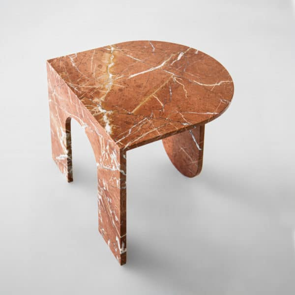Table d'appoint en marbre rose