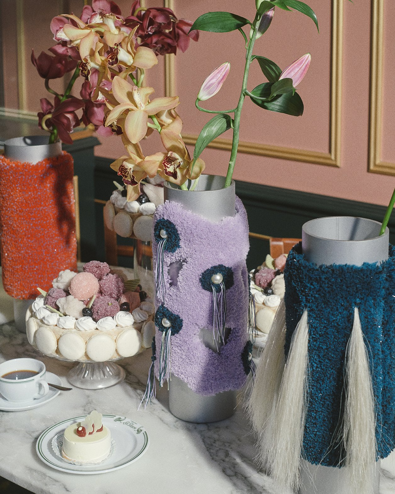 Cornucopia, 15 vases par Tableau et Röd Studio